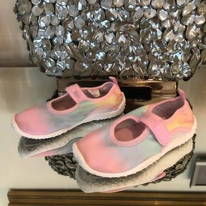 Girls 9/10 water shoe pastels pink Childrens Place
